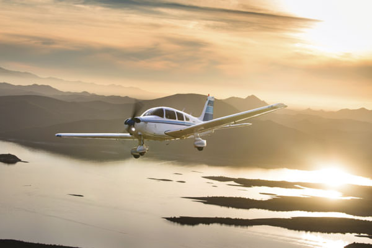 """Bold Warrior"": A New Pilot Buys a Piper PA-28-151 for Training & Traveling"