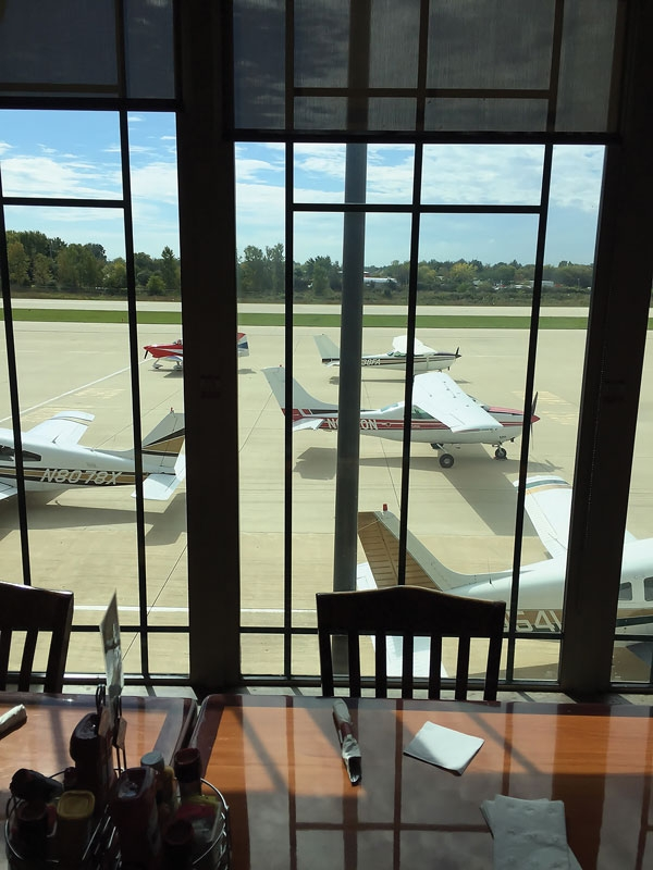 Chicagoland: Fly in and Feast on Aviation History