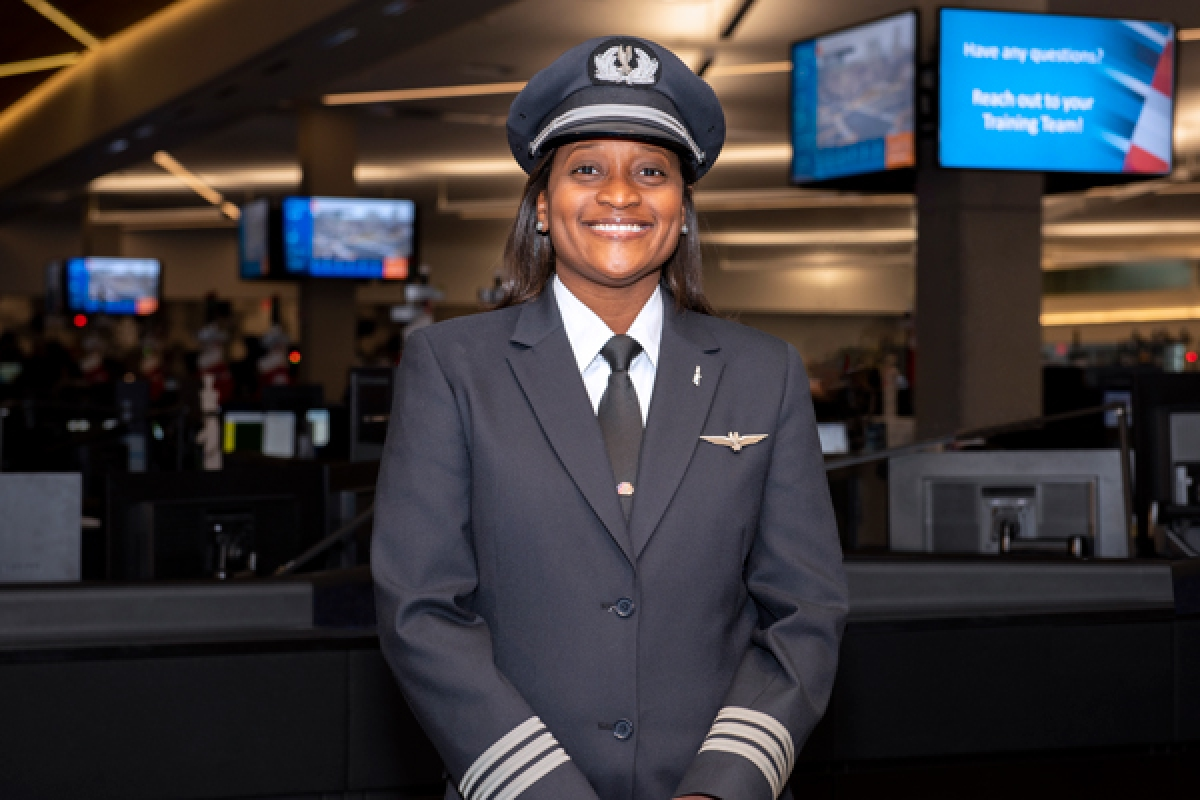 Meet the African-American Pilot Helping Young Girls Reach New Heights