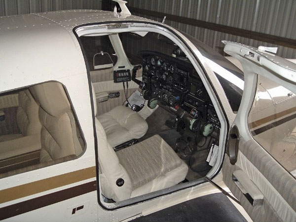 Proper Entry Procedure: Fitting & Adjusting the Piper PA-28 Entry Door