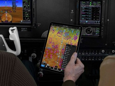Garmin Pilot adds configurable tab bar, Live Track Log and route data download